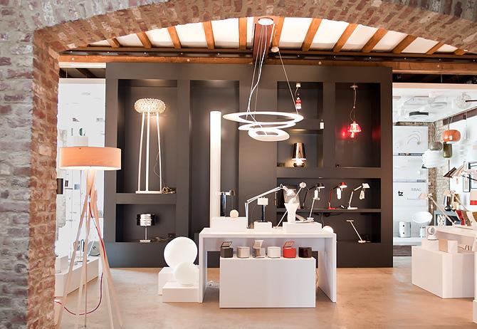 unsere badausstellungen in m nchengladbach und freiburg reuter onlineshop. Black Bedroom Furniture Sets. Home Design Ideas
