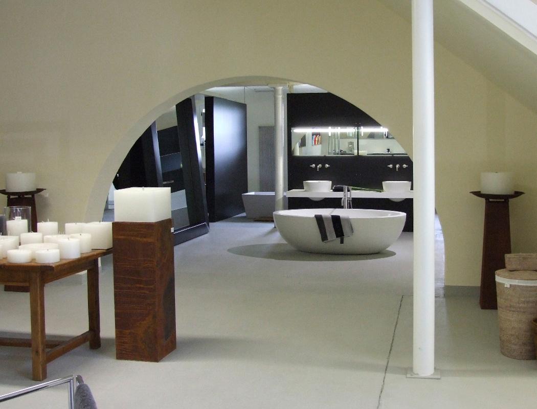 neue reuter badausstellung in m nchengladbach pressemitteilung reuter badshop. Black Bedroom Furniture Sets. Home Design Ideas