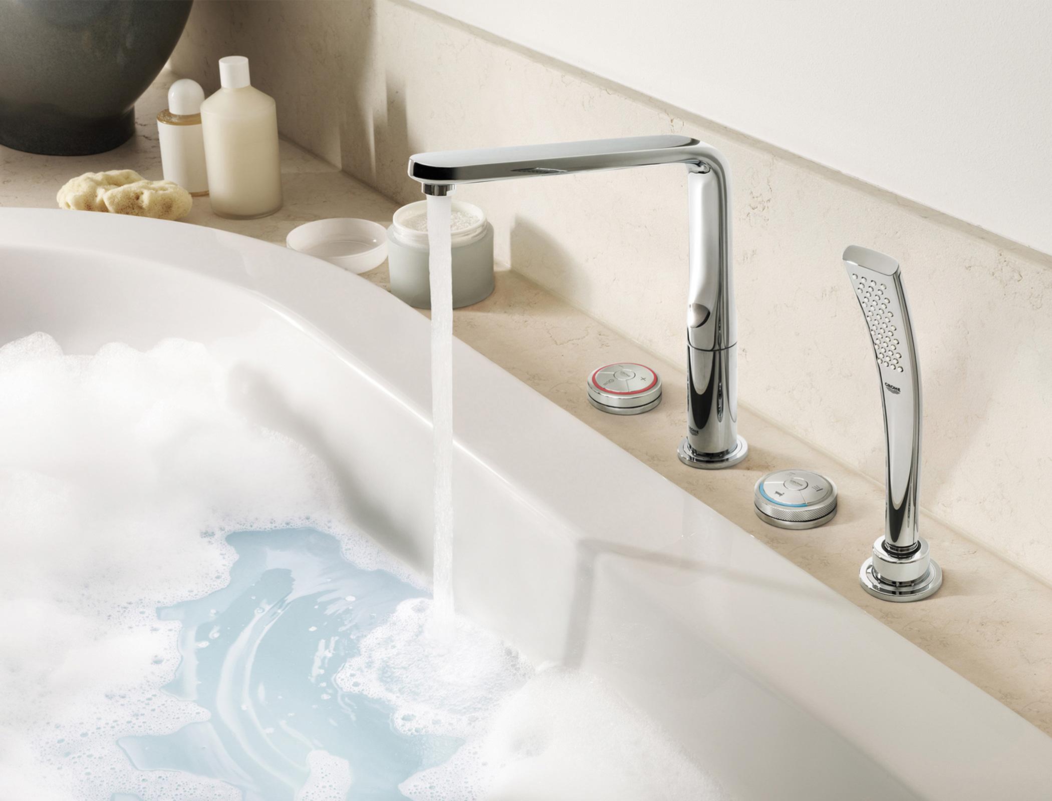 wohnraum bad reuter badshop pr sentiert die neusten messetrends. Black Bedroom Furniture Sets. Home Design Ideas