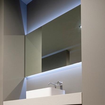 antoniolupi flash spiegel mit led beleuchtung. Black Bedroom Furniture Sets. Home Design Ideas