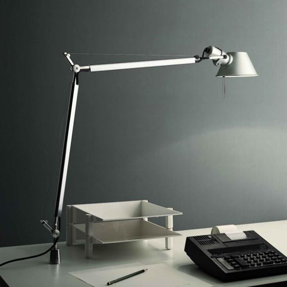 Artemide Tolomeo LED Tischleuchte mit Bewegungsmelder, Schraubbefestigung und  Dimmer