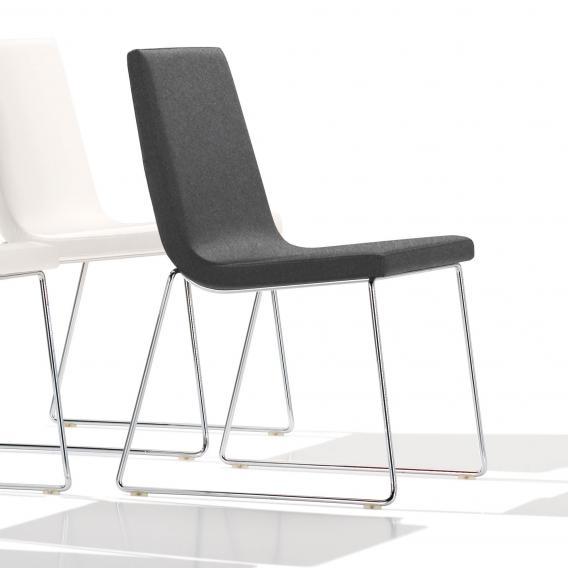 Andreu World Lineal Comfort Stuhl, Stoff