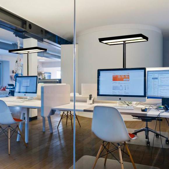 belux karo Multisens LED Tischleuchte mit Dimmer und Bewegungsmelder