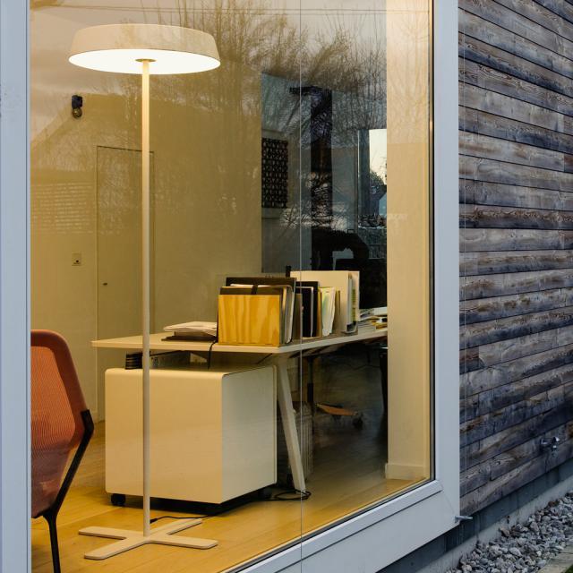 belux koi neo Multisens LED Stehleuchte mit Dimmer und Bewegungsmelder