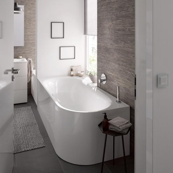 Bette Lux Oval Silhouette Raumspar-Badewanne mit Verkleidung Wanne weiß, mit BetteAntirutsch, mit BetteGlasur Plus, Ablaufgarnitur weiß, mit Wassereinlauf