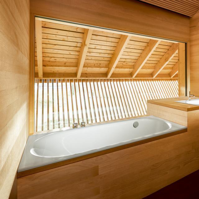 Bette Comodo Rechteck-Badewanne, seitlicher Überlauf hinten weiß, mit BetteGlasur Plus