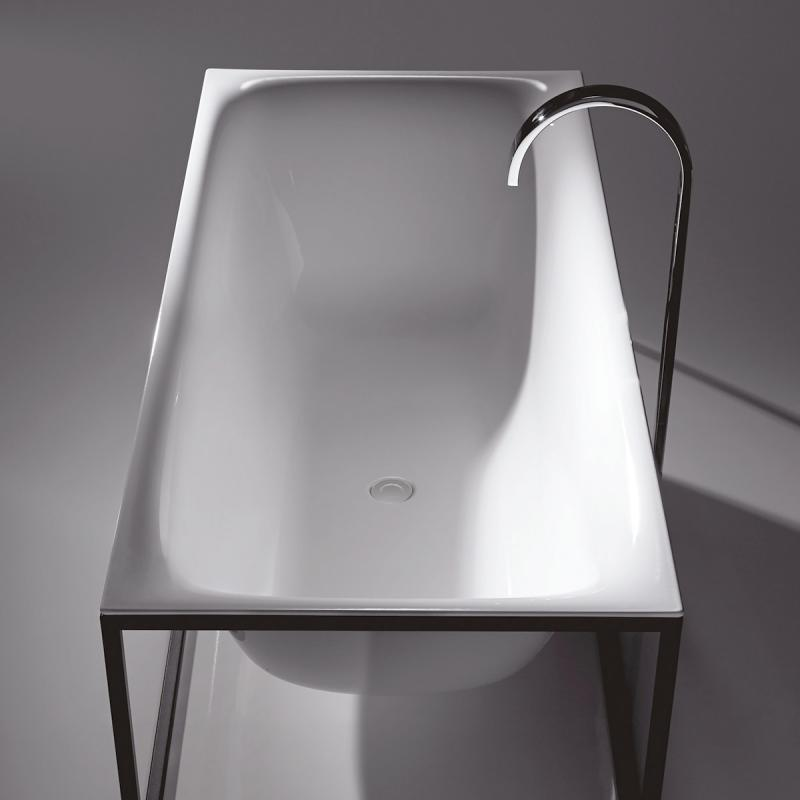 bette lux shape sonderform badewanne mit sensory ablaufgarnitur inkl rahmengestell wanne wei. Black Bedroom Furniture Sets. Home Design Ideas
