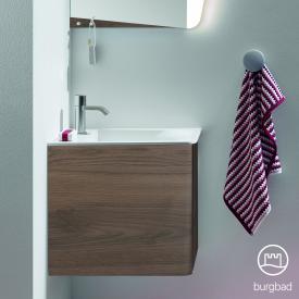 Burgbad Badu Handwaschbecken mit Waschtischunterschrank mit 1 Tür Front marone trüffel dekor / Korpus marone trüffel dekor, Griffleiste anthrazit, WT weiß samt