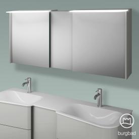 Burgbad Badu Spiegelschrank mit LED-Beleuchtung mit 3 Türen Korpus leinengrau hochglanz, Griffleiste anthrazit, ohne Waschtischbeleuchtung