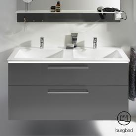 Burgbad Eqio Doppelwaschtisch mit Waschtischunterschrank mit LED-Beleuchtung mit 2 Auszügen Front grau hochglanz / Korpus grau glanz, Stangengriff chrom