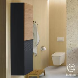 Burgbad Fiumo Hochschrank mit 2 Türen Front graphit softmatt/tectona zimt dekor / Korpus graphit softmatt