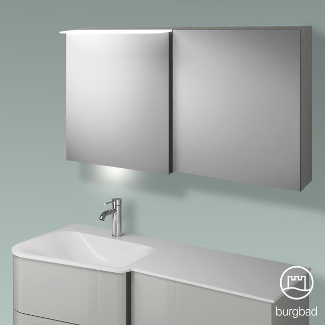 Burgbad Badu Spiegelschrank mit LED-Beleuchtung mit 2 Türen Korpus leinengrau hochglanz, Griffleiste anthrazit, mit Waschtischbeleuchtung