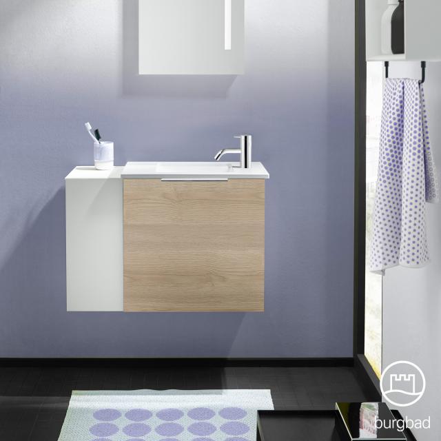 Burgbad Eqio Handwaschbecken mit Waschtischunterschrank mit 1 Klappe mit offenem Fach Front eiche cashmere dekor/weiß matt / Korpus eiche cashmere dekor, Griff chrom