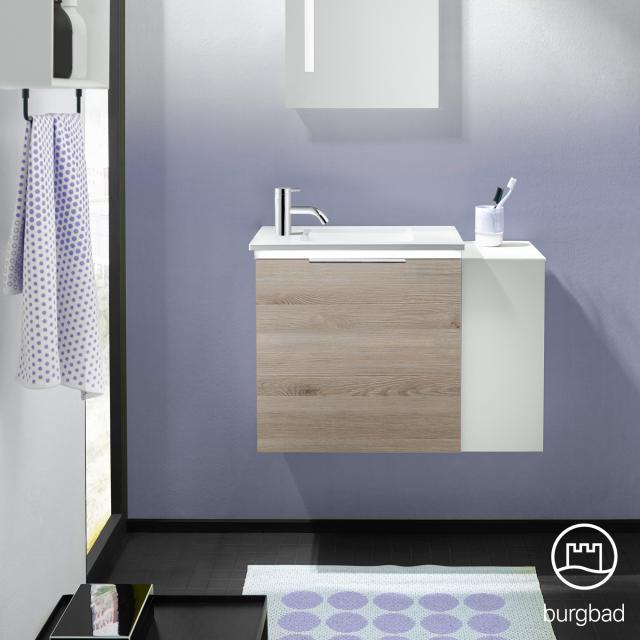 Burgbad Eqio Handwaschbecken mit Waschtischunterschrank mit LED-Beleuchtung mit 1 Klappe mit offenem Fach Front eiche flanell dekor/weiß matt / Korpus eiche flanell dekor, Griff chrom