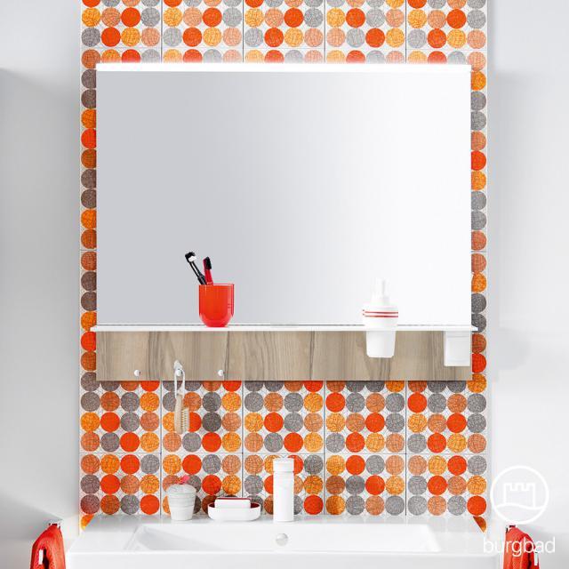 Burgbad Eqio Spiegel mit horizontaler LED-Aufsatzleuchte und Ablage frassino cappuccino dekor