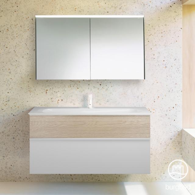 Burgbad Fiumo Badmöbel-Set Waschtisch mit Waschtischunterschrank und Spiegelschrank Front weiß matt/eiche cashmere dekor / Korpus weiß matt, Griffleiste weiß matt