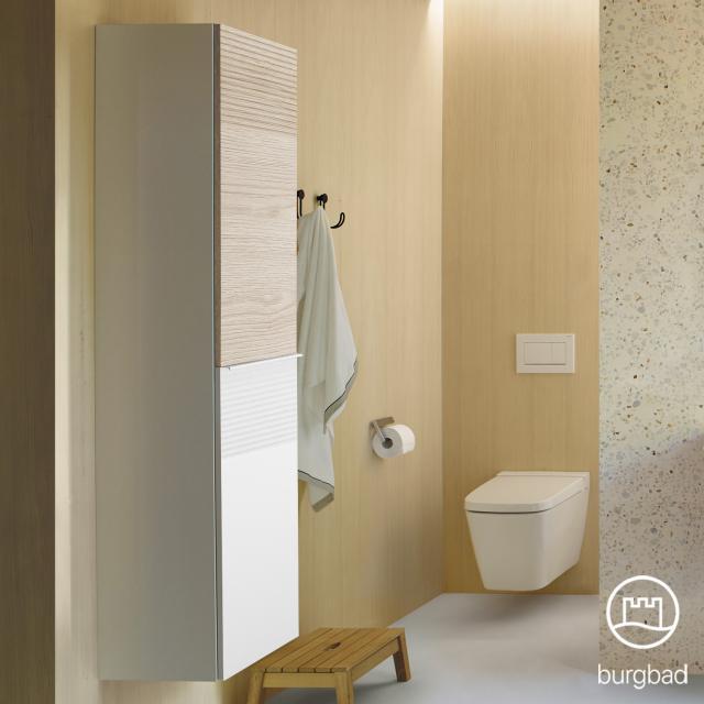 Burgbad Fiumo Hochschrank mit 2 Türen Front weiß matt/eiche cashmere dekor / Korpus weiß matt, Griffleiste weiß matt