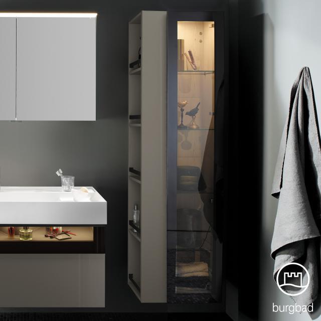 Burgbad Yumo Hochschrank mit LED-Beleuchtung mit 1 Tür und 1 Regal Front grau hochglanz/bronze/Korpus grau hochglanz