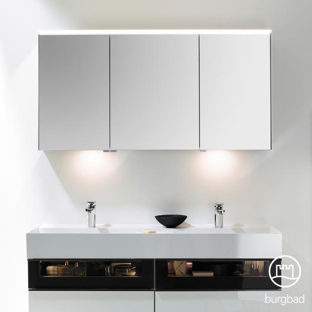 Burgbad Yumo Spiegelschrank mit LED-Beleuchtung und 3 Türen mit Waschtischbeleuchtung