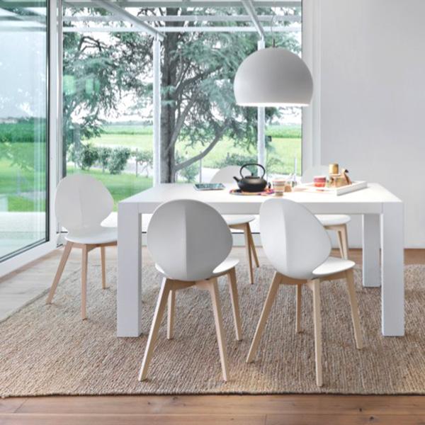 wei e holzst hle ohne armlehnen. Black Bedroom Furniture Sets. Home Design Ideas