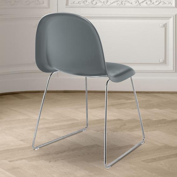 GUBI 3D Stuhl mit Kufengestell, Kunststoff