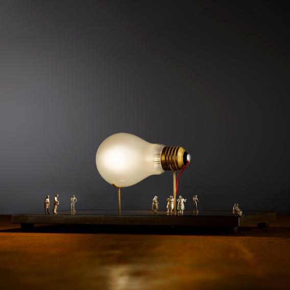 Ingo Maurer I Ricchi Poveri Monument for a Bulb Tischleuchte mit Dimmer