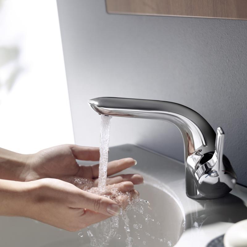 ideal standard melange einhebel waschtischarmatur mit flexiblen anschlussschl uchen mit. Black Bedroom Furniture Sets. Home Design Ideas