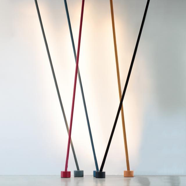 martinelli luce Elastica LED Stehleuchte mit Deckenbefestigung und Dimmer