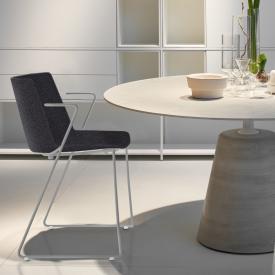 MDF Italia AÏKU  Soft Stuhl mit Armlehnen und Kufen