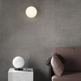 Menu TR Bulb LED Decken- / Wandleuchte