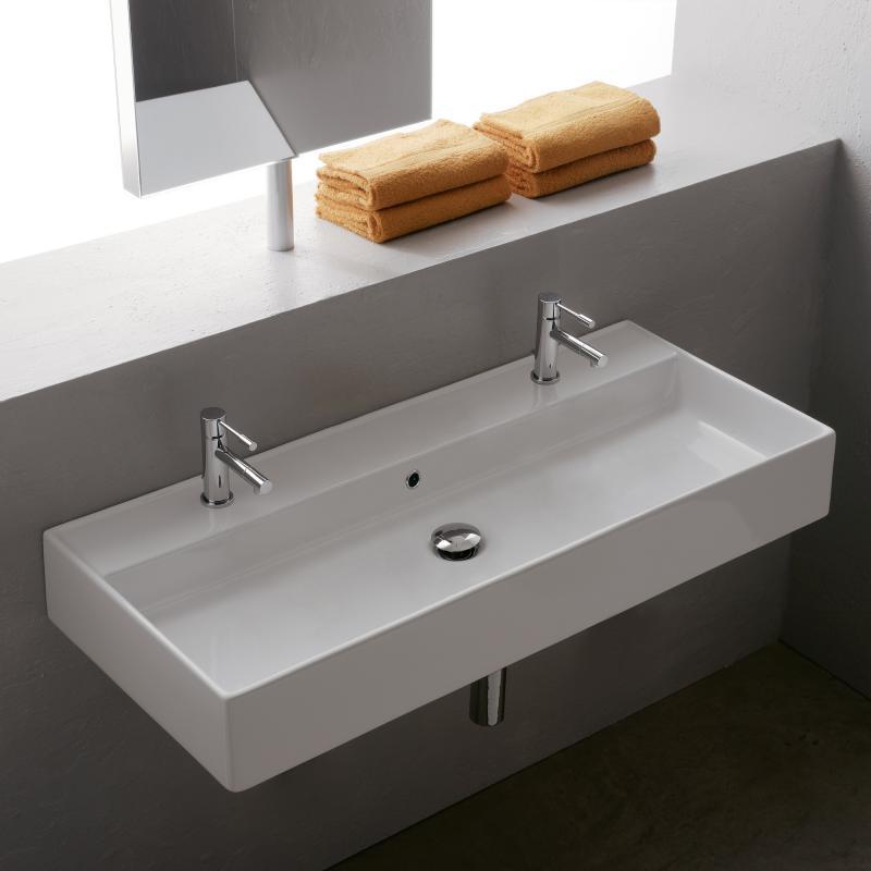 doppelter waschtisch mit trendy mit weis holz laufen. Black Bedroom Furniture Sets. Home Design Ideas