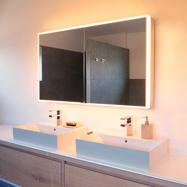 Schneider PREMIUMLINE Ultimate Spiegelschrank mit LED-Beleuchtung mit 2 Türen silber eloxiert, Steckdose links und rechts