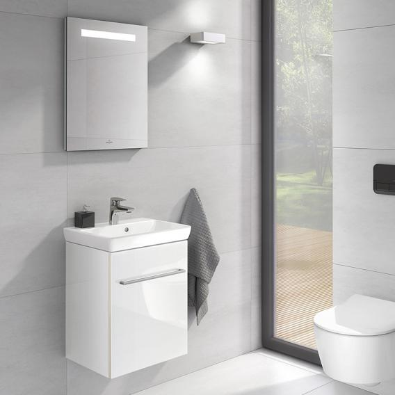 Villeroy & Boch Avento Handwaschbecken mit Waschtischunterschrank und More to See One Spiegel Front crystal white/verspiegelt / Korpus crystal white/verspiegelt